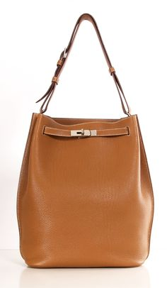 Hermes - So Kelly leather bag in gold.