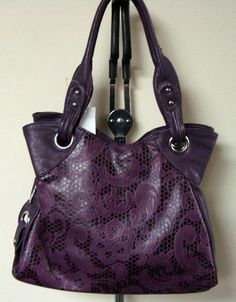 The Betsy handbag- $41.60- 10% off with code 0512 at checkout! Free shipping! www.facebook.com/meganscentsofstyle