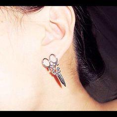 🎈FLASH SALE🎈Hairstylist Silver Scissor Earrings New silver scissor earrings. Great for hairstylist! Bundle and save. Jewelry Earrings