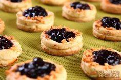 Receita de Biscoito de castanha de caju e geleia em receitas de biscoitos e bolachas, veja essa e outras receitas aqui!