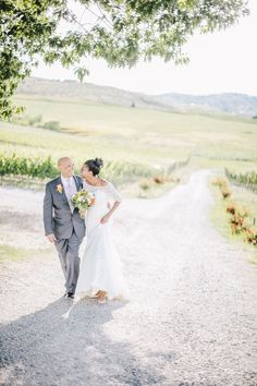 Winery Wedding | Tsillan Cellars Wedding | Clane Gessel Photography | #weddings #photography #brideandgroom