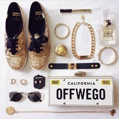 One thousand followers!  How awesome! Thank you so much lovers, for following, and sharing the love of #flatlays! I am constantly keeping tabs on the #flatlay tag, and it has literally quadrupled since I created this account. Here's a little sparkle for your day. Via @loutrixie ✨
