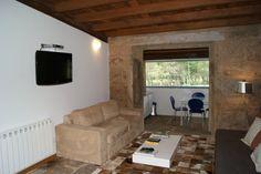 A Cabana de Carmen - alojamiento de #turismorural #galicia #costadarmorte Cabana, Flat Screen, Home Decor, Blood Plasma, Decoration Home, Room Decor, Cabanas, Flatscreen, Home Interior Design