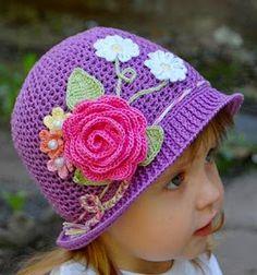 Creative DIY Adorable Crochet Flower Hats for Little Girls Crochet Flower Hat, Crochet Kids Hats, Crochet Girls, Flower Hats, Love Crochet, Diy Crochet, Crochet Crafts, Crochet Projects, Knitted Hats