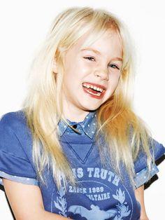 """☞ Série mode """"Smile Please"""" publiée dans le MilK N°44  Photo : Tobias Zarius Style : Sandra Cacaud Hair & make-up : Stéphanie Farouze@Jed Root assistée de Miwoo"""