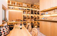 Architektenvilla mit atemberaubendem Panoramablick auf den Bodensee Villa, Conference Room, Table, Furniture, Home Decor, Sous Sol, Living Dining Rooms, Underground Garage, Gym Room