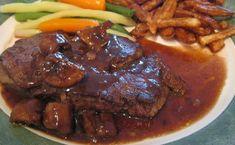 Recette de maman | Les meilleures recettes de nos mamans Sauce Steak, Brown Sauce, Food Porn, Cooking, Food Recipes, Mushroom Sauce, Meat, Balsamic Vinegar, Sweet Sauce