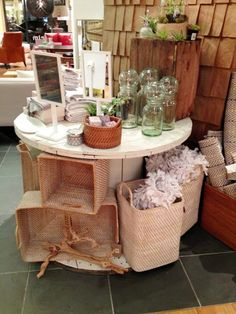 Love this re-purposed wire spool!