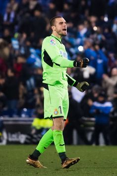 Pau Lopez of RCD Espanyol celebrates after the La Liga match between Espanyol and Atletico Madrid at RCDE Stadium on December 22, 2017 in Barcelona, Spain.