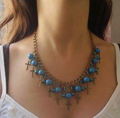 Collar estilo gargantilla con piedras turquesas--> Así luce un Pola ♥