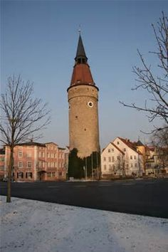 Leaning Tower in Kitzingen Germany where I used to live. Love this place! Kitzingen Germany, Wonderful Places, Beautiful Places, Germany Area, Places To Travel, Places To Visit, Travel Destinations, Local Legends, Old Cemeteries