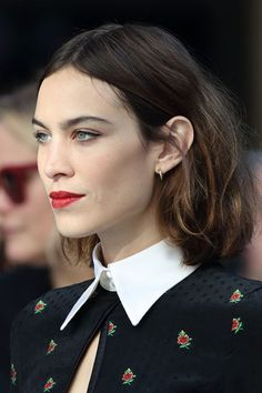 Alexa Chung Hair And Hairstyles Inspiration - Photos (Vogue.co.uk)