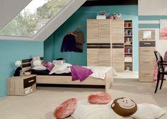Ein Jugendzimmer komplett eingerichtet.