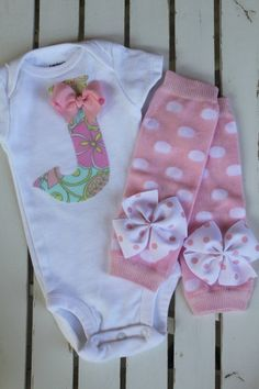 Newborn Baby Girl Outfit --
