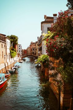 Places to Stay for your Italy Vacation Verona Italy, Sicily Italy, Sorrento Italy, Naples Italy, Tuscany Italy, Florence Italy, Rome Italy, Italy Map, Capri Italy
