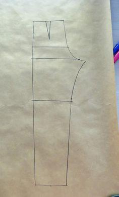 "Cómo hacer el patrón de ""mono"" o ""enterizo"" Pattern Illustration, Skirt Fashion, Jumpsuit, Sewing, Fresco, Skirts, Sewing Tips, Overall Shorts, Women's Work Fashion"