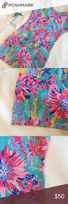 LILLY PULITZER Trippin & Sippin Anastasia Dress S Lilly Pulitzer | Small | Anastasia Dress | Trippin and Sippin print | T-shirt dress with French terry fabric | Button detail down back | Gently worn  Listing more Lilly at very low prices - bundle for an even better discount Lilly Pulitzer Dresses