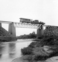 Dutch East Indies, Malang, Golden Gate Bridge, Transportation, Train, History, World, Nature, Indian