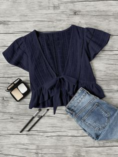 Shop Plunging V-neckline Knot Frill Hem Dip Hem Top online. SheIn offers Plunging V-neckline Knot Frill Hem Dip Hem Top & more to fit your fashionable needs. Diy Clothes, Fashion Clothes, Fashion Outfits, Fashion Ideas, Clothes Shops, Mode Outfits, Trendy Outfits, Jolie Lingerie, Plain Tops