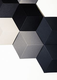 BeoSound Shape is a uniquely flexible speaker system that can grow and evolve with the changing ways you live. Rearrange the tiles to form a new pattern, change the colours when you redecorate or add more tiles to boost sound performance or acoustic damping properties.