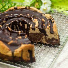 der low carb Marmorkuchen ist eine kohlenhydratarme Variante des Kuchen-Klassikers. Zudem ist er auch noch glutenfrei und sehr sättigend. Mehr