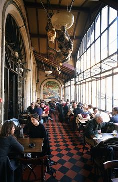 "Café la flèche d'or(Paris) - ""brasseries, which often resemble cafés, serve quicker meals and at most hours of the day, while restaurants tend to stick to the traditional mealtimes of noon until 2pm, and 7pm until 9.30pm or 10.30pm."""