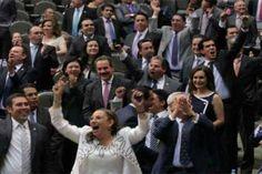 m.e-consulta.com | Entre sueldo y bono navideño, diputados obtendrán 505 mil pesos | Periódico Digital de Noticias de Puebla | México 2016