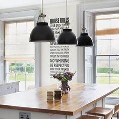 Country House Modern Chic - Kitchen Design Ideas & Pictures Best Modern Kitchen Lighting Ideas and Tips Kitchen Island Bench, Cool Kitchens, Chic Kitchen, Kitchen Lighting Design, Kitchen Remodel, Modern Kitchen, Country Kitchen, Kitchen Diner, Stools For Kitchen Island