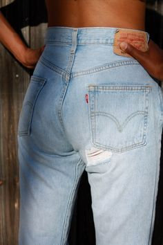 Cupcake Fit Vintage Levis 501 - All Sizes There you go....best jeans EVER !!
