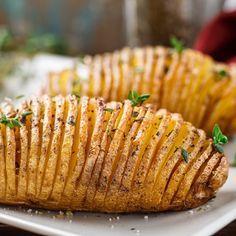 Pommes de terre Hasselback #julbord #swedishchristmas #danischristmas #godjul #jul #nordicjul #pommedeterre #hasselback