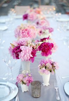 Pink centerpieces. #LillyPulitzer #SouthernWeddings