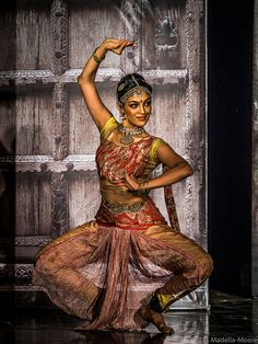 Bharatanatyam performance at Dodda Basavana Gudi (the Bull Temple), Bengaluru (Bangalore), India