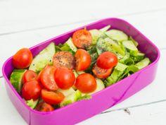 Dieta wegańska: lunchbox [posiłek po treningu] - w Women's Health Lunch Box, Vegetables, Health, Food, Health Care, Essen, Bento Box, Vegetable Recipes, Meals