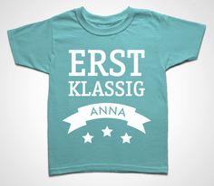 """Kindershirt """"Erstklassig mit Name"""" von die kleine Designerei - Melamin Geschirr mit Namen auf DaWanda.com"""