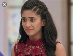 You are in the right place about Yrkkh Kaira wedding Here we offer you the most beautiful pictures about the Yrkkh Kaira you are looking for. Debut Hairstyles, Hairstyles For Gowns, College Hairstyles, Open Hairstyles, Daily Hairstyles, Everyday Hairstyles, Indian Hairstyles, Girl Hairstyles, Braided Hairstyles
