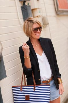 seersucker and saddles Haircut Trends 2017, Short Shaggy Haircuts, Look Con Short, Summer Outfits, Cute Outfits, Trending Haircuts, Fashion Over 40, Seersucker, Cute Hairstyles