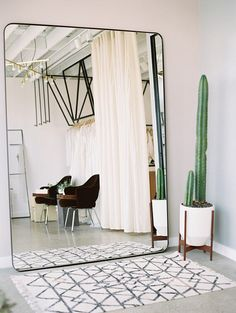 4 Exciting Tips AND Tricks: Simple Natural Home Decor Branches natural home decor inspiration texture.Natural Home Decor Apartment Therapy natural home decor rustic chandeliers.Natural Home Decor Inspiration Living Rooms. Deco Design, Design Case, Design Design, Home Design Decor, House Design, Home Decor, Design Ideas, Oversized Wall Mirrors, Decorative Wall Mirrors