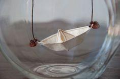Paper Boat necklace - altdesign - etsy  en cas d'inondation soudaine, toujours pratique