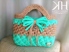 Check out our bag crochet patterns selection for the very best in unique or custom, handmade pieces from our patterns shops. Diy Crochet Bag, Crochet Clutch Bags, Crochet Handbags, Crochet Purses, Cute Crochet, Crochet Crafts, Knit Crochet, Potli Bags, Diy Tote Bag