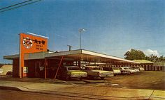 photo of the A&W Root Beer stand on Tustin Ave before it became El Conejo PS i don't remember this one but remember the one on Irvine Boulevard Vintage Restaurant, Fast Food Restaurant, Restaurant History, Bartholomew And The Oobleck, A&w Restaurants, Horton Hears A Who, A&w Root Beer, Thats The Way, The Good Old Days