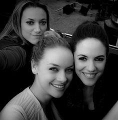 Zoie Palmer, Rachel Skarsten, and Anna Silk