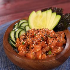 Healthy Lunch Ideas Discover Salmon Poké Bowl Satisfy your sushi craving with this twist on a hawaiian-inspired salmon poké bowl. Its refreshing comforting and incredibly delicious! Cucumber Recipes, Sushi Recipes, Salmon Recipes, Seafood Recipes, Healthy Dinner Recipes, Asian Recipes, Cooking Recipes, Protein Recipes, Hawaiian Food Recipes