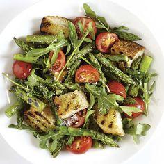 Salade d'asperges et croûtons grillés Vegetable Recipes, Vegetable Pizza, Vegetarian Recipes, Healthy Recipes, Pasta Salad, Cobb Salad, Savory Salads, Vegetarian Lifestyle, Seaweed Salad
