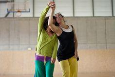 Festival Internacional Dansa Ripoll Contact Improvisation Workshops Creations Creaciones Creacions Dance Dansa Danza Teachers Profesionals Amateurs Everybody Dance to meet you Sporty, Meet, Athletic, Fashion, Dancing, Moda, Athlete, La Mode, Fasion