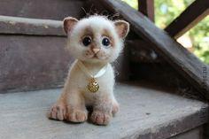 """NATALIA PROTASOVA -- """"Kitten ... :)"""" -- Kitten made in the technique of dry felting.  Eyes of glass (Germany).  Tinted pastel.  Handmade."""