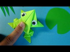 Origami jumping frog: How to make a paper frog that jumps high and far 🐸 Easy tutorial Hüpfenden Origami Frosch falten 🐸 Springenden Frosch basteln mit Papier – Tiere basteln Origami Turkey, Kids Origami, Origami Ball, How To Make Origami, Useful Origami, How To Make Paper, Origami Ideas, Origami Dragon, Origami Butterfly