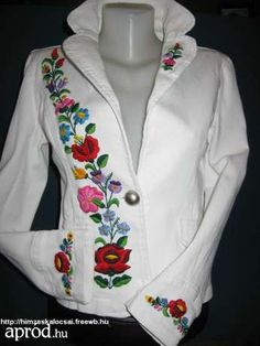Love the Needle Point! Very Hungarian! want to do this on my white skirt.!