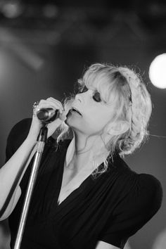 The singer/songwriter Goldfrapp performing with a Tymo braid!
