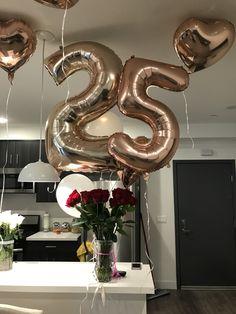 25 21st Birthday Centerpieces, 25th Birthday Cakes, Happy 25th Birthday, 25th Birthday Parties, Birthday Party Decorations, 25th Birthday Ideas For Her, Birthday Goals, Birthday Girl Pictures, Birthday Photos