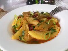 Hellena  ...din bucataria mea...: Mancare de praz cu cartofi - de post Thai Red Curry, Ethnic Recipes, Food, Meals, Yemek, Eten